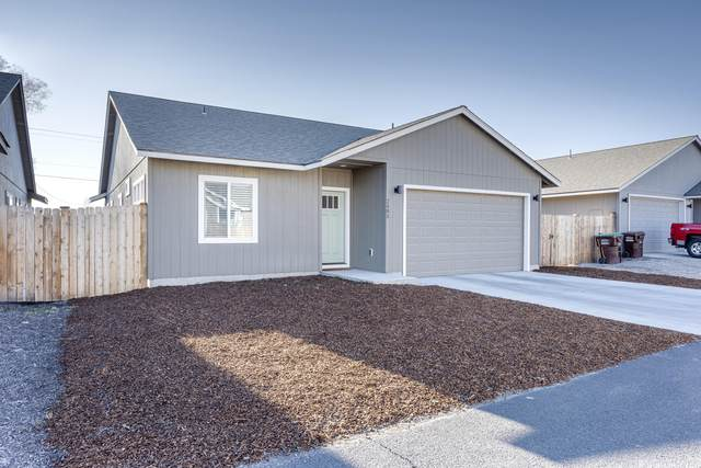 2485 NE Apollo Alley, Prineville, OR 97754 (MLS #220120542) :: Premiere Property Group, LLC