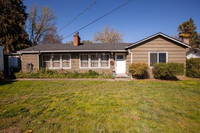 1536 Cloverlawn Drive, Grants Pass, OR 97527 (MLS #220120552) :: Premiere Property Group, LLC