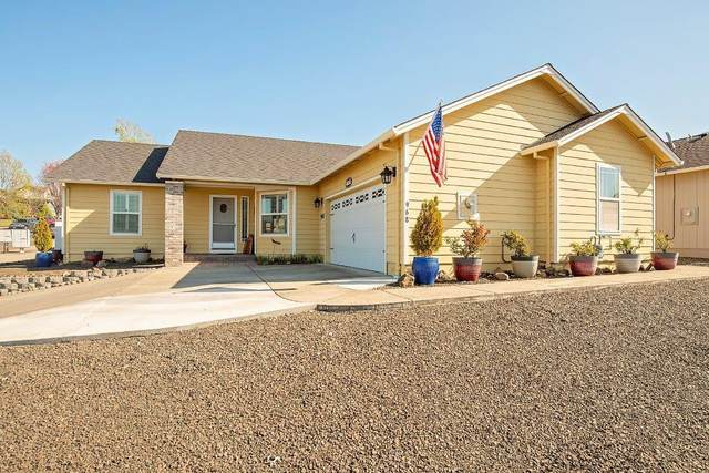 968 Crystal Drive, Eagle Point, OR 97524 (MLS #220120558) :: FORD REAL ESTATE