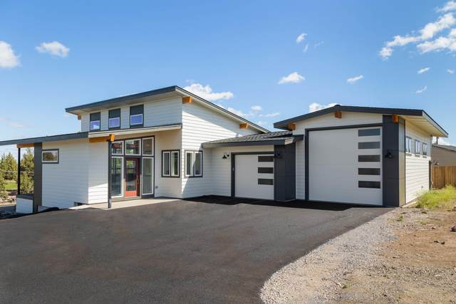 2370 SW Helmholtz Way, Redmond, OR 97756 (MLS #220120577) :: Berkshire Hathaway HomeServices Northwest Real Estate