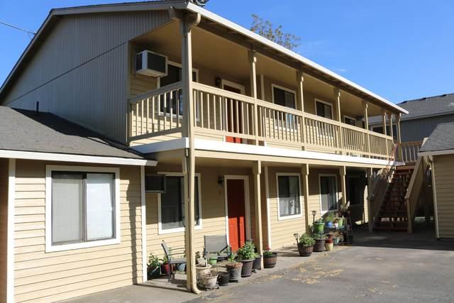 824 Summit Avenue, Medford, OR 97504 (MLS #220120592) :: Chris Scott, Central Oregon Valley Brokers