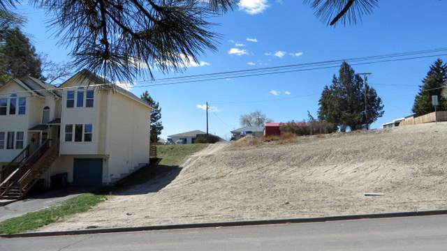Lot 2 N Williams Avenue, Klamath Falls, OR 97601 (MLS #220120600) :: Stellar Realty Northwest