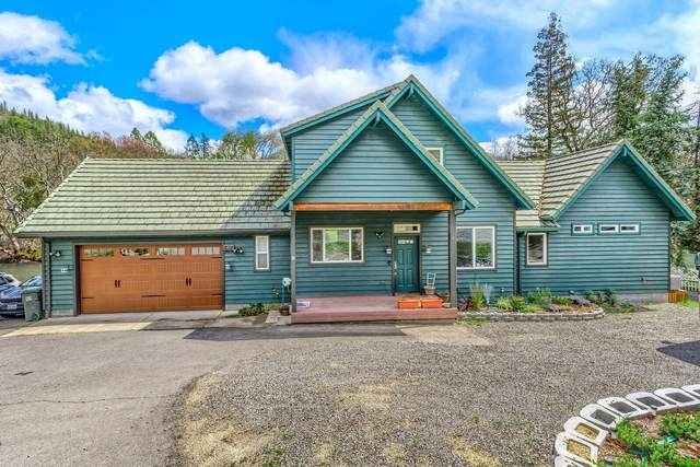 22620 Highway 62, Shady Cove, OR 97539 (MLS #220120609) :: Bend Relo at Fred Real Estate Group