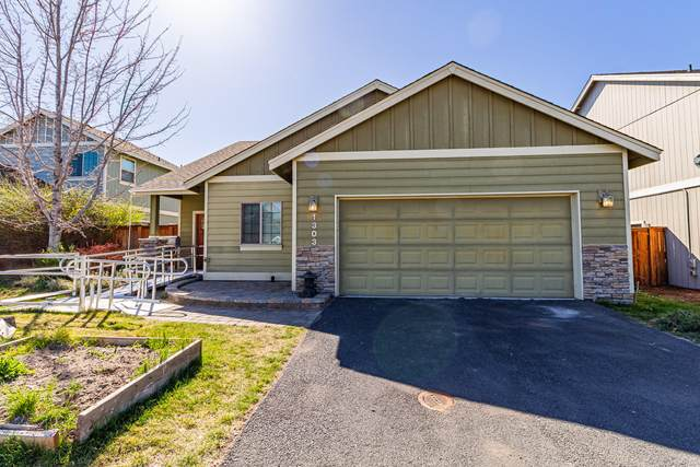 1303 NW 18th Street, Redmond, OR 97756 (MLS #220120616) :: Premiere Property Group, LLC