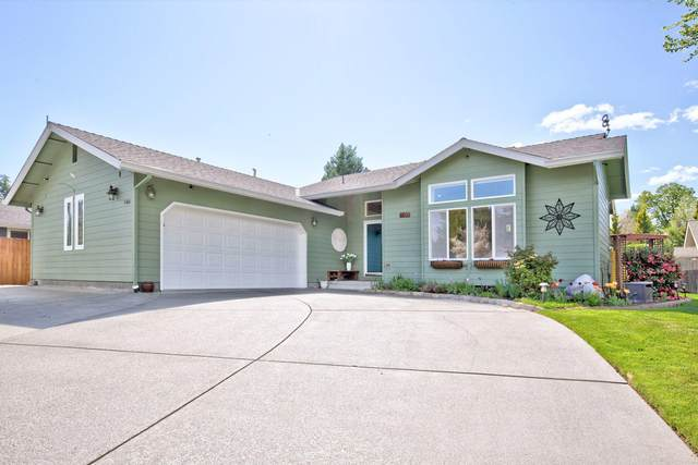 1166 SW Ironwood Drive, Grants Pass, OR 97526 (MLS #220120634) :: The Ladd Group