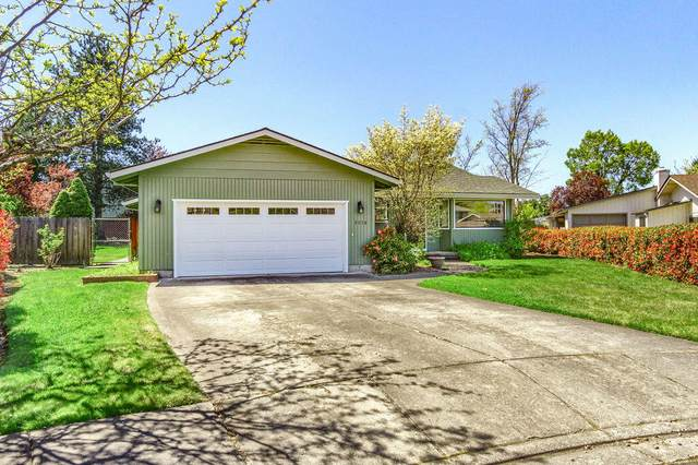 2236 Gardendale Circle, Medford, OR 97504 (MLS #220120672) :: Top Agents Real Estate Company