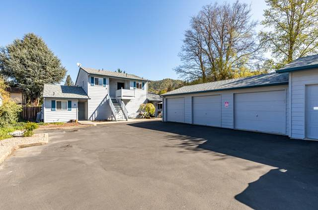 207 Fourth Street A-D, Rogue River, OR 97537 (MLS #220120699) :: Central Oregon Home Pros