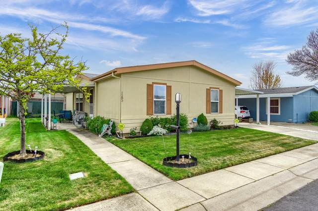 1285 Nadia Way, Central Point, OR 97502 (MLS #220120833) :: The Ladd Group