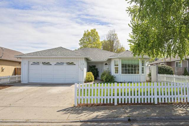 1429 Britt Drive, Medford, OR 97501 (MLS #220120848) :: Team Birtola | High Desert Realty