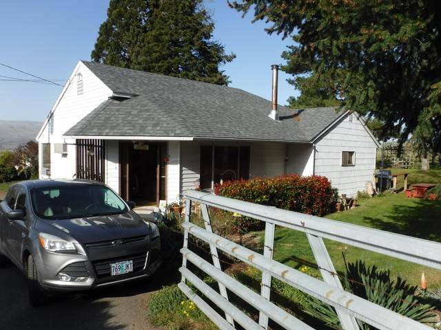 2823 E 12th Street, The Dalles, OR 97058 (MLS #220120852) :: Premiere Property Group, LLC