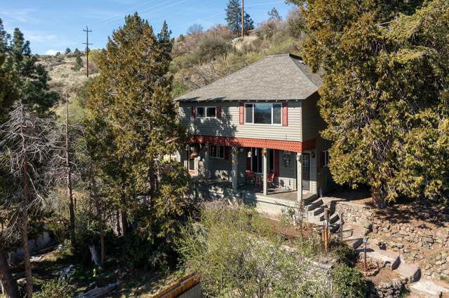 402 Riverside Drive, Klamath Falls, OR 97601 (MLS #220120853) :: Coldwell Banker Sun Country Realty, Inc.