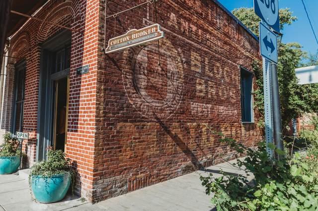 110 S Oregon Street, Jacksonville, OR 97530 (MLS #220120877) :: Chris Scott, Central Oregon Valley Brokers