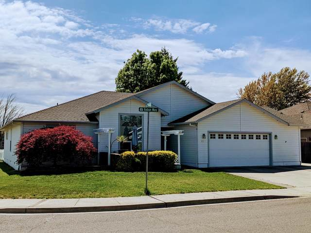 2648 Rabun Way, Central Point, OR 97502 (MLS #220120878) :: The Ladd Group