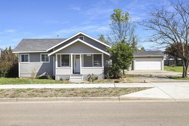 1375 Orchard Home Drive, Medford, OR 97501 (MLS #220120879) :: Keller Williams Realty Central Oregon
