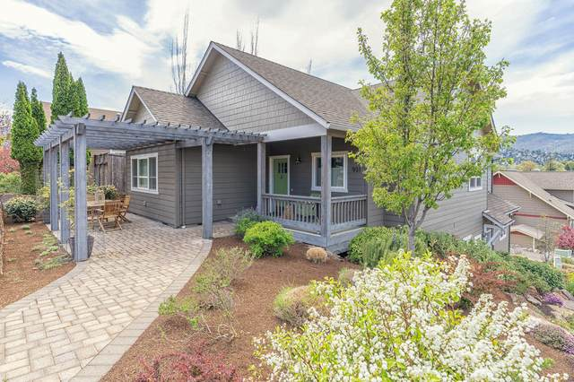 931 Patton Lane, Ashland, OR 97520 (MLS #220120880) :: Chris Scott, Central Oregon Valley Brokers