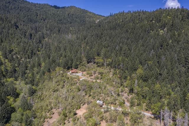 4774 Hog Creek Road, Merlin, OR 97532 (MLS #220120881) :: Bend Relo at Fred Real Estate Group