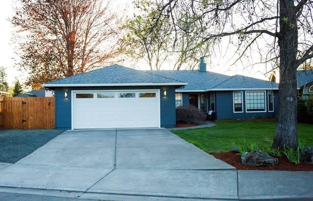 837 Ridgeway Circle, Medford, OR 97504 (MLS #220120891) :: Chris Scott, Central Oregon Valley Brokers
