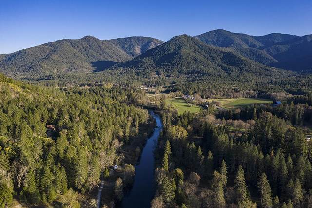 1149 Sleepy Hollow Loop, Grants Pass, OR 97527 (MLS #220120896) :: Chris Scott, Central Oregon Valley Brokers