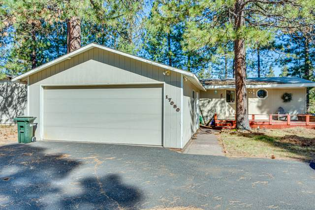 17050 Milky Way Road, La Pine, OR 97739 (MLS #220120923) :: Coldwell Banker Sun Country Realty, Inc.
