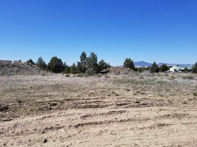 2883 SW High Desert Drive, Prineville, OR 97754 (MLS #220120963) :: Central Oregon Home Pros