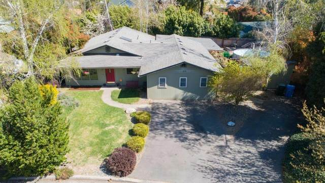 1294 Conestoga Drive, Grants Pass, OR 97527 (MLS #220120965) :: FORD REAL ESTATE