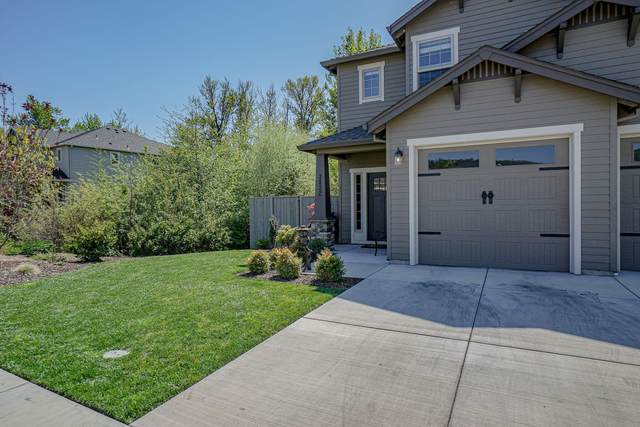 3832 Creek View Drive, Medford, OR 97504 (MLS #220120992) :: Vianet Realty