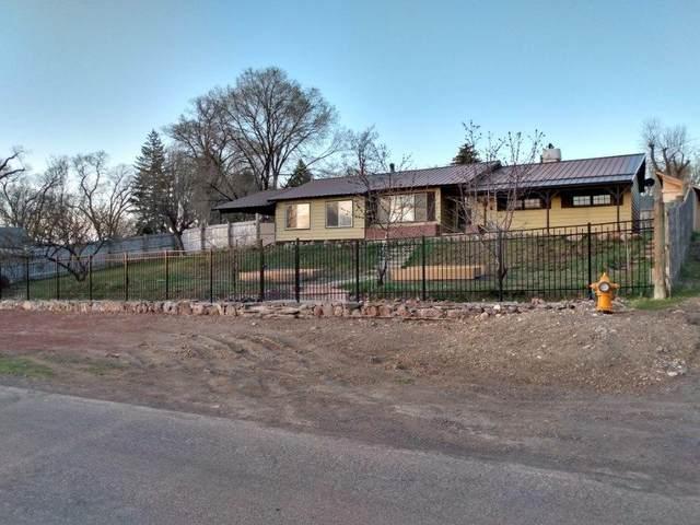 504 W Pettibone Avenue, Hines, OR 97738 (MLS #220120999) :: Team Birtola | High Desert Realty
