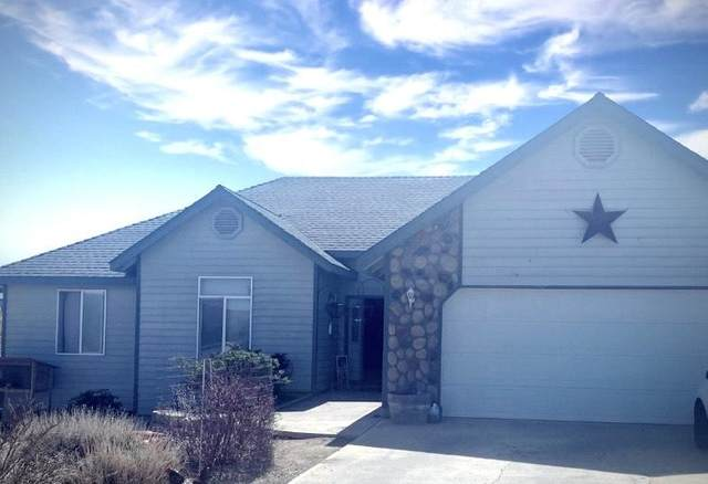 2125 SE Sagebrush Drive, Madras, OR 97741 (MLS #220121320) :: Fred Real Estate Group of Central Oregon
