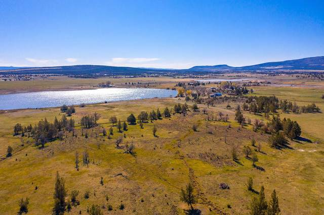 11677 SW Houston Lake Road, Powell Butte, OR 97753 (MLS #220121336) :: Fred Real Estate Group of Central Oregon