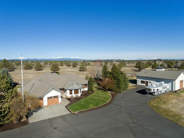 22575 Skyview Lane, Bend, OR 97702 (MLS #220121380) :: Fred Real Estate Group of Central Oregon
