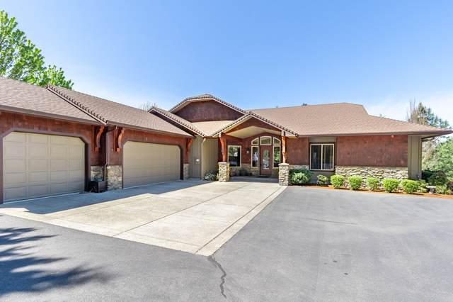 601 Stone Canyon Drive, Grants Pass, OR 97527 (MLS #220121396) :: Team Birtola | High Desert Realty