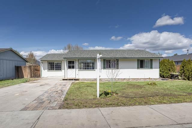 3125 SW Pumice Avenue, Redmond, OR 97756 (MLS #220121586) :: Keller Williams Realty Central Oregon