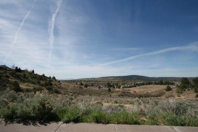 Lot 10 Mountain View Drive Boulevard, Klamath Falls, OR 97601 (MLS #220121587) :: Bend Relo at Fred Real Estate Group