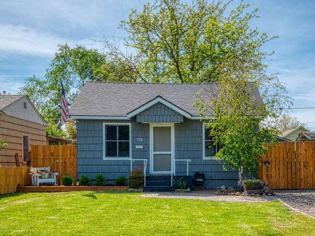 722 Beekman Avenue, Medford, OR 97501 (MLS #220121624) :: Bend Relo at Fred Real Estate Group