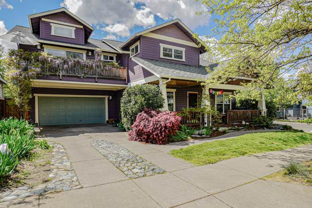461 Parkside Drive, Ashland, OR 97520 (MLS #220121643) :: Coldwell Banker Sun Country Realty, Inc.