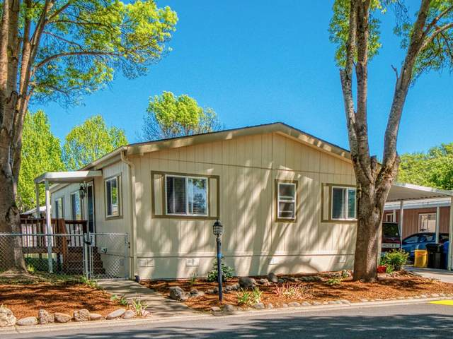 633 E Archwood Drive #44, Eagle Point, OR 97524 (MLS #220121669) :: Bend Relo at Fred Real Estate Group