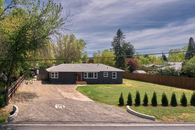 709 Beall Lane, Central Point, OR 97502 (MLS #220121670) :: The Riley Group