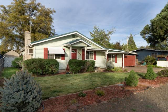 116 Haley Street, Eagle Point, OR 97524 (MLS #220121697) :: Bend Relo at Fred Real Estate Group