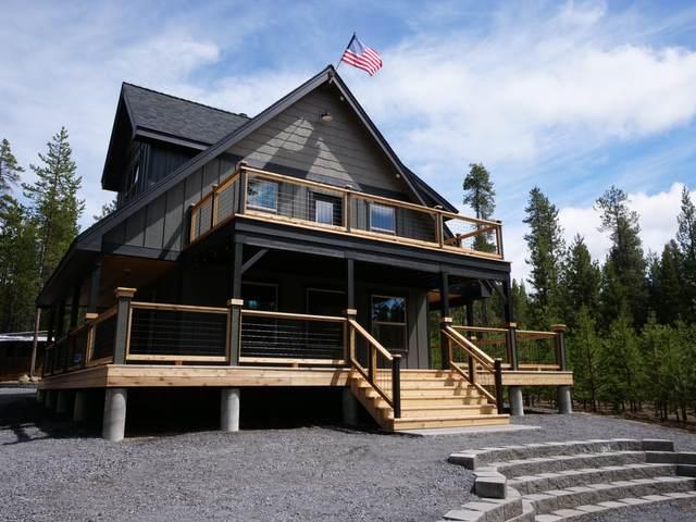 139834 Dorothy Lane, Crescent Lake, OR 97733 (MLS #220121699) :: Bend Relo at Fred Real Estate Group