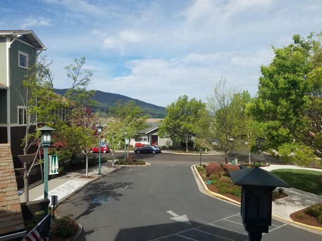 949 Golden Aspen Place, Ashland, OR 97520 (MLS #220121702) :: Vianet Realty