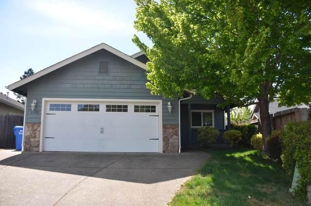 1132 Angler Lane, Grants Pass, OR 97527 (MLS #220121709) :: Central Oregon Home Pros
