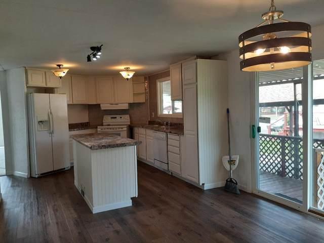 70 Manor Loop #70, Roseburg, OR 97471 (MLS #220121713) :: Bend Relo at Fred Real Estate Group