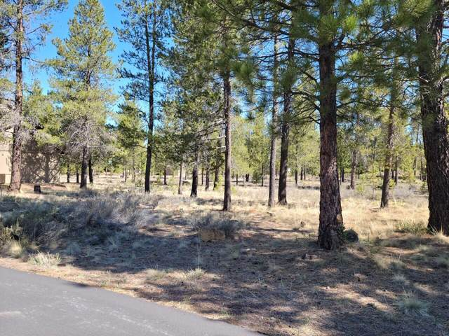 57832 Mt Adams Lane, Sunriver, OR 97707 (MLS #220121775) :: Bend Relo at Fred Real Estate Group