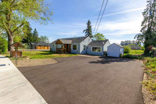 1965 Orchard Home Drive, Medford, OR 97501 (MLS #220121787) :: Bend Relo at Fred Real Estate Group