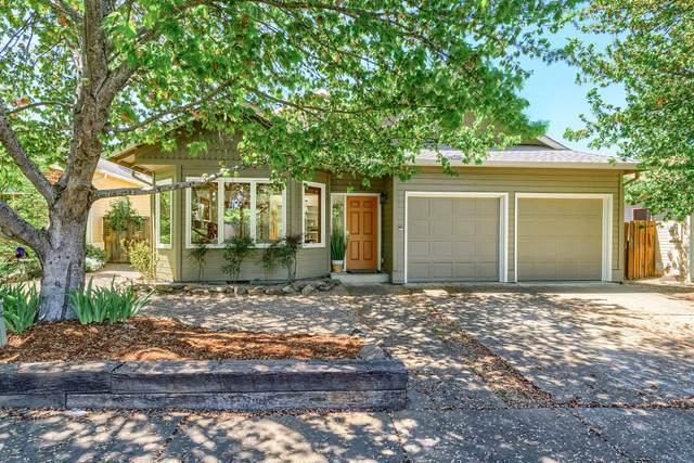 83 N Wightman Street, Ashland, OR 97520 (MLS #220121835) :: Keller Williams Realty Central Oregon