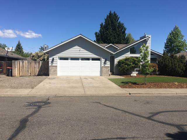 500 Brandon Street, Central Point, OR 97502 (MLS #220121897) :: Top Agents Real Estate Company