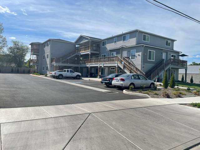 1282 Beekman Avenue, Medford, OR 97501 (MLS #220121911) :: Bend Relo at Fred Real Estate Group