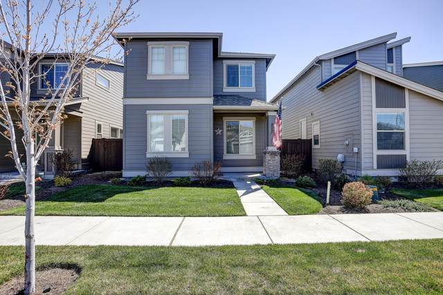 3806 SW Coyote Lane, Redmond, OR 97756 (MLS #220121957) :: The Ladd Group
