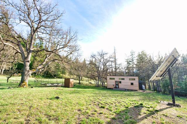 1203 Tyler Creek Road, Ashland, OR 97520 (MLS #220121961) :: Keller Williams Realty Central Oregon