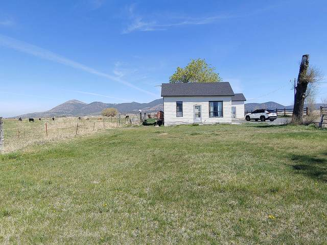 22111 Highway 39, Merrill, OR 97633 (MLS #220121963) :: Bend Relo at Fred Real Estate Group